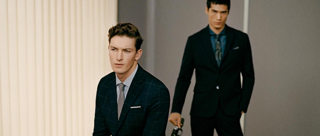 Hombres con traje clásico