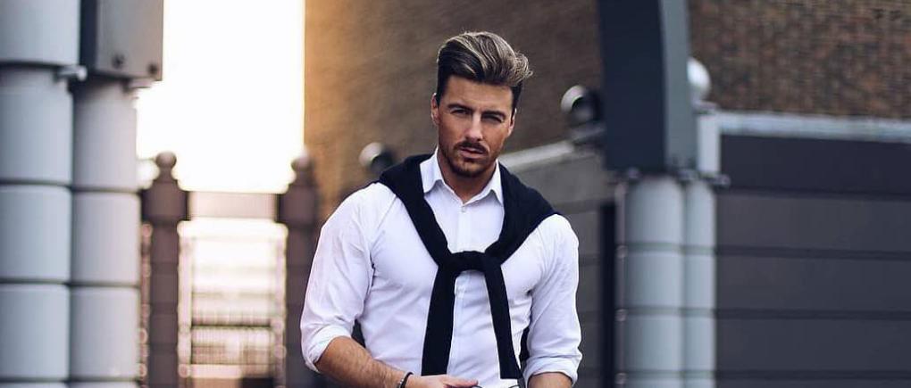 Hombre con camisa de vestir.