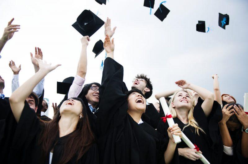 ¿Qué debería estudiar? Diplomado, maestría o doctorado